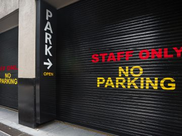 Staff Only No Parking - Student Intranet Banner